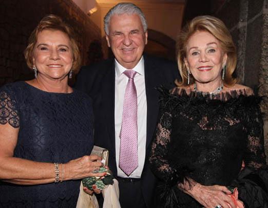 Consuelo e Walmar Paes com Idinha Seabra Veiga