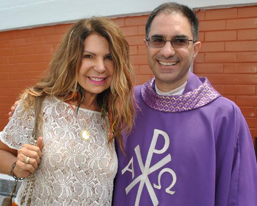 Elba e o padre Marcos Belizário