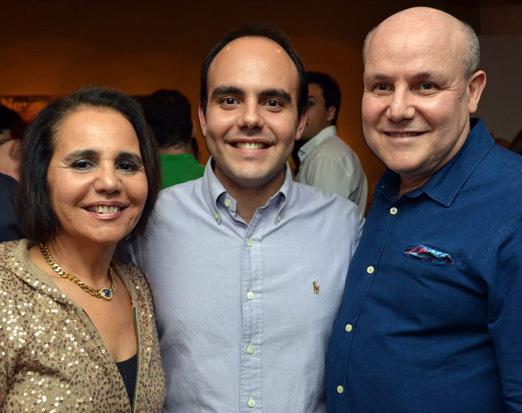 Antonio com os pais Paulo Muller e Gisela Pitanguy
