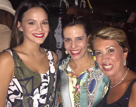 Bruna Marquezine, Narcisa e Angela Costa