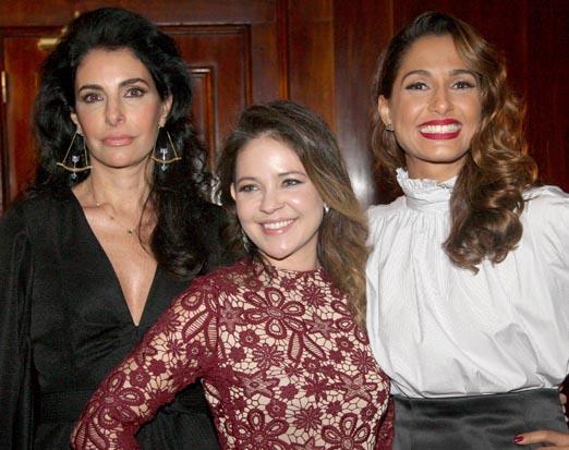 Denise entre Antonia e Camila
