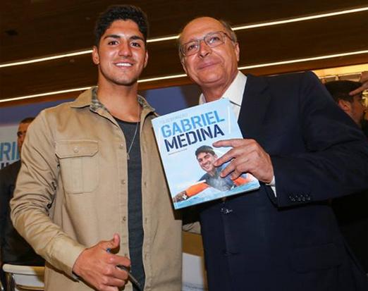 Gabriel Medina e Geraldo Alckmin