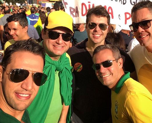 Dori Neto, Henrique Pinto e amigos