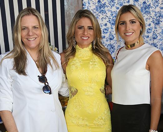 Maninha com as filhas Ana Paula e Dandynha