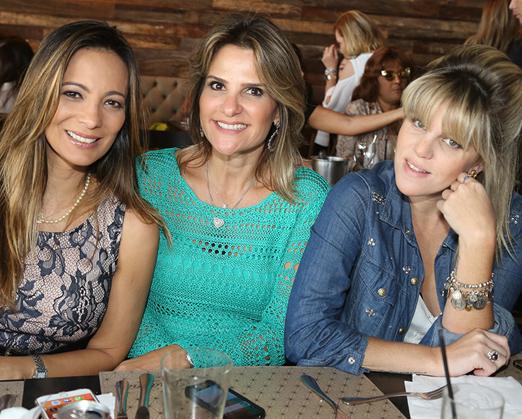 Marcia Romão, Adriana Indelli e a Dj Scarlet