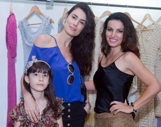 Valentina e Fran Zanon com Alzira Vieira