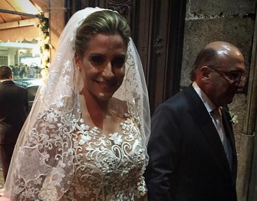 A linda noiva Carol com o pai Gilberto Buffara