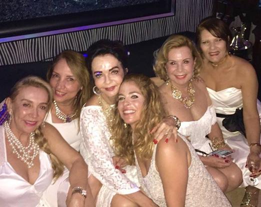 Anna Thereza Damasio com a mãe, Vera Loyola, e as amigas Cristina Ghelfenstein, Sumaya Neves, Rachel Gusmão e Roseana Motta