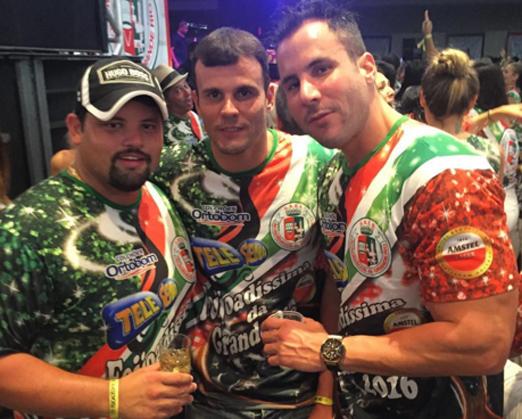 Marcos Couto com os irmãos Xande e André Barbosa