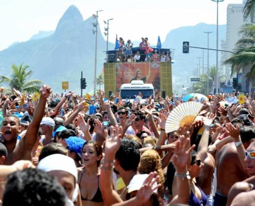 Foliões nas ruas do Rio