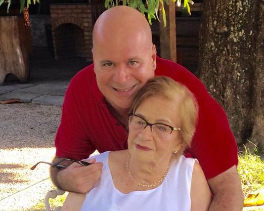 Eder e a avó, Dona Albertina
