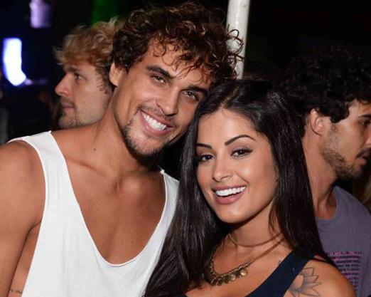 Felipe Roque e Aline Riscado