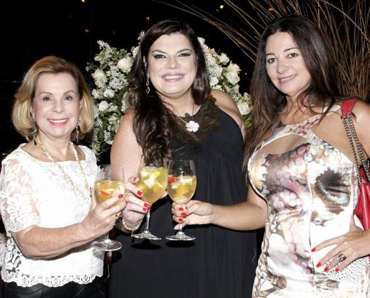 Ana Cristina Blois entre Rachel Gusmão e Hosana Pereira