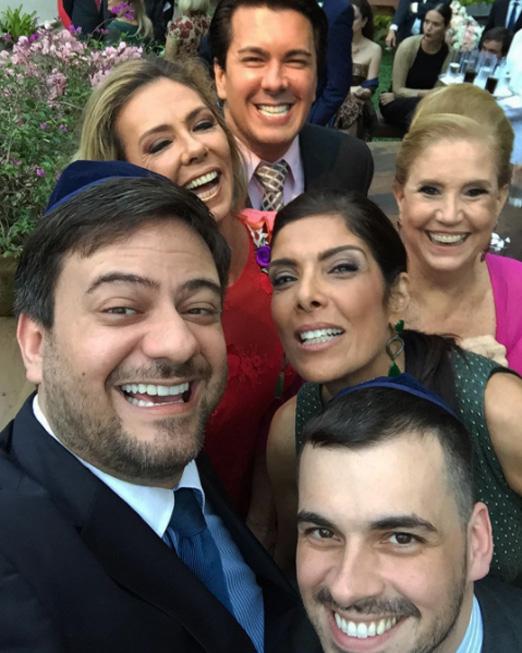 A selfie de André Ramos, Márcia Veríssimo, Bruno Astuto, Sandro Barros, Patricia Brandão e Madeleine Saade