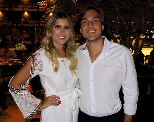 Dandynha Barbosa e o noivo Vitor Smeral