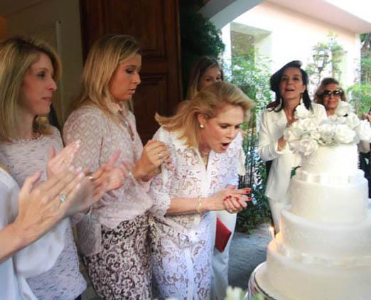 Glória na hora do bolo