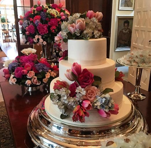 O bolo e a mesa de doces
