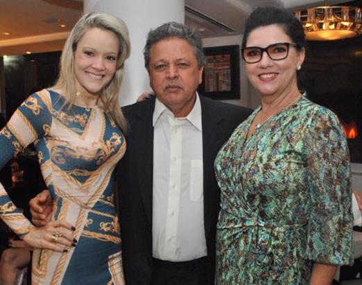 Roberta Fonseca de Castro com o casal Aloysito e Joana Teixeira