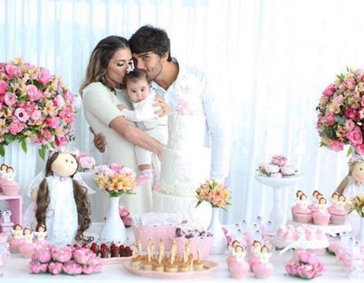 Deborah Secco, Hugo e a filha