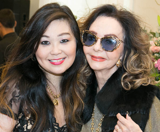 Monica Nakamura e Vera Loyola