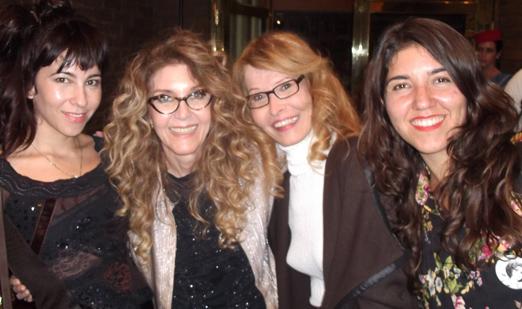 Wanderlea entre as filhas, Yasmin e Jadde, e Romy di Vitti