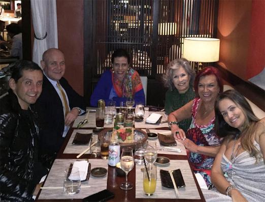 Carmen com Beto, Lu, Gisella, Paulo e Narcisa