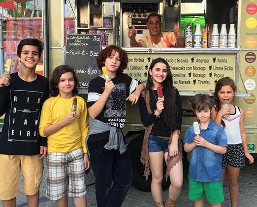 Crianças no Kids Ville Park Maluquinho