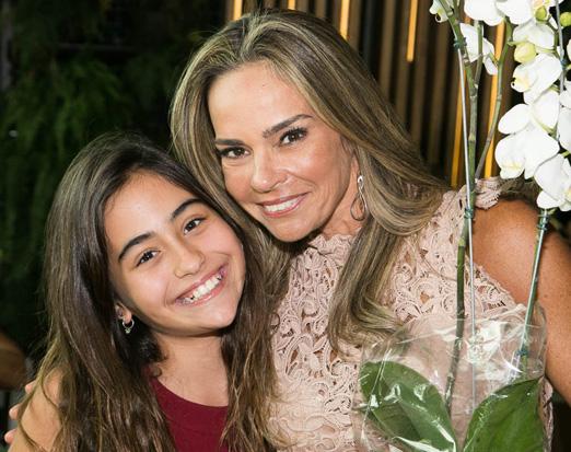 Carol Rajão com a filha Luma