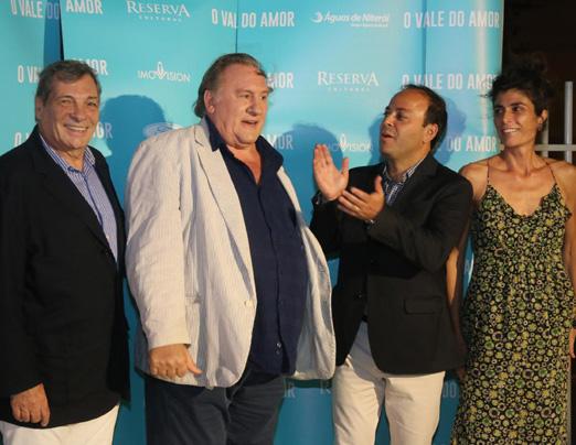 Gérard Depardieu lança filme em Niterói