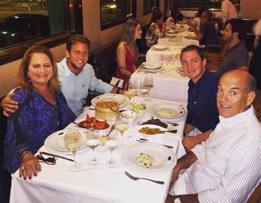 Renata e Paulo com os filhos Rafael e Roberto