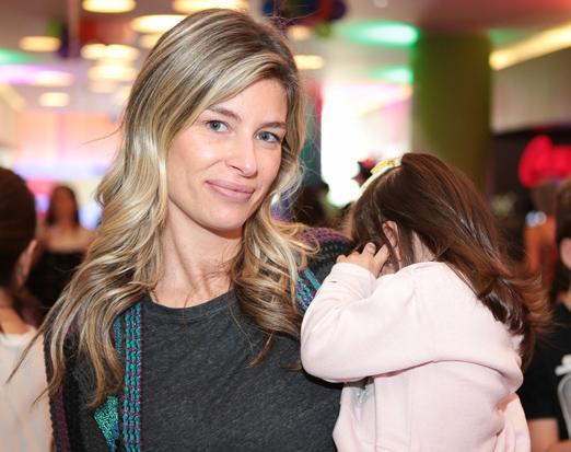 Joanna Trabulsi com uma de suas princesas