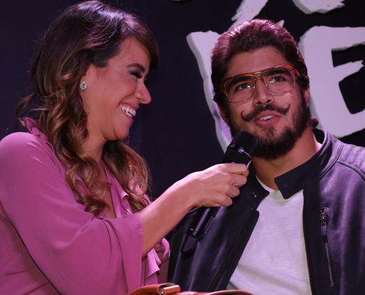 Mia Mello e Caio Castro