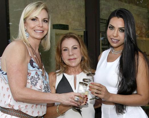 Nina Kauffmann, Leilah Costa e Jennifer Setti