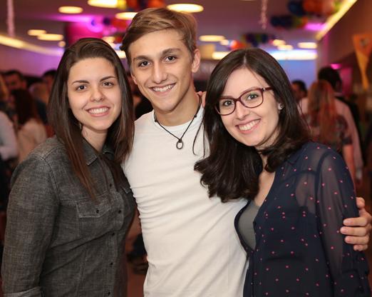 Victoria Frere, Lucas Polito e Beatriz Duarte