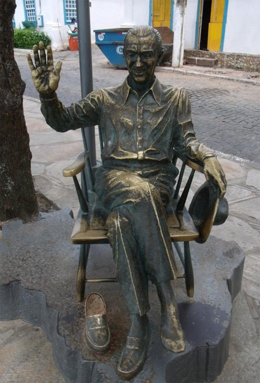 Estátua de JK