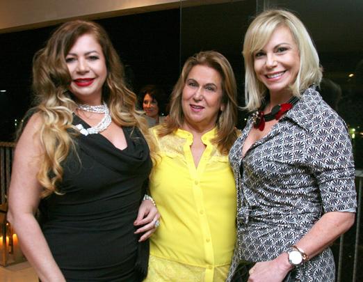Kristhel Byancco, Theresa Macedo e Nina Kauffmann.