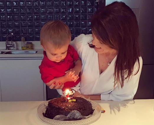 Mariana Gross e o filho Antonio