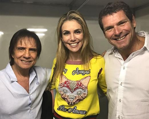Roberto Carlos com o casal Renata Padilha e Alexandre Accioly