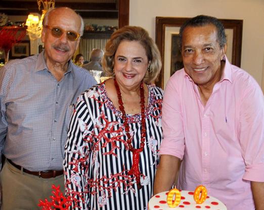 O casal Claudio e Cristina Aboim com Amaro Leandro Barbosa
