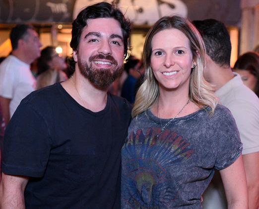 Alexandre Biancamano e Renata Monteiro de Barros