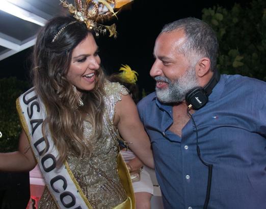 Carol Sampaio e DJ Papagaio