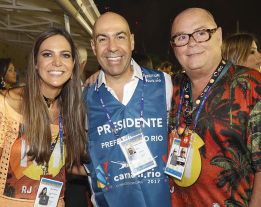 N° 1 - Carol Sampaio, Marcelo Alves e José Victor Oliva