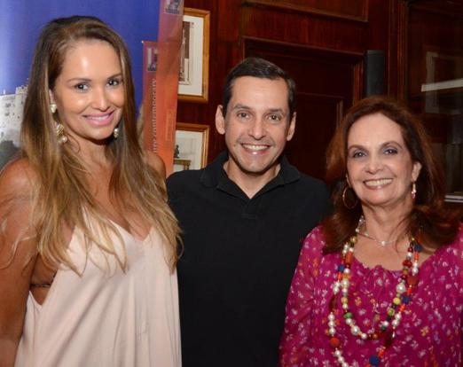 O querido casal Luciana e Beto Pittigliani com Sueli Stambowsky