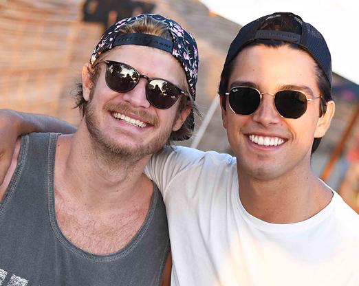 Tom Rezende e Rodrigo Simas