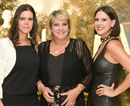 Riccy de Souza Aranha e as filhas