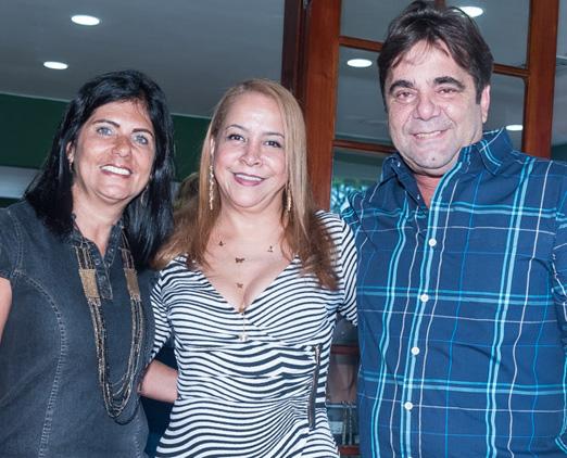 Candida Virgínia entre o casal Fernando e Lucia Gagliasso