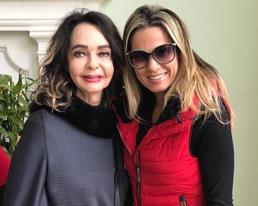 A aniversariante com Adriana Alves