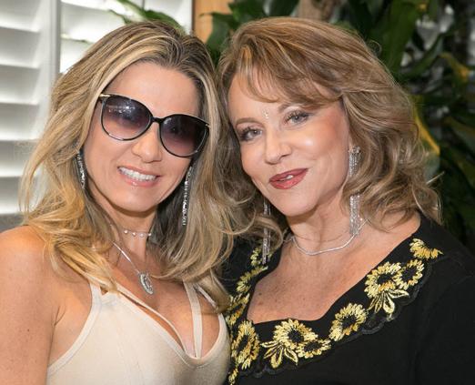 Adriana Alves e Regina Portugal