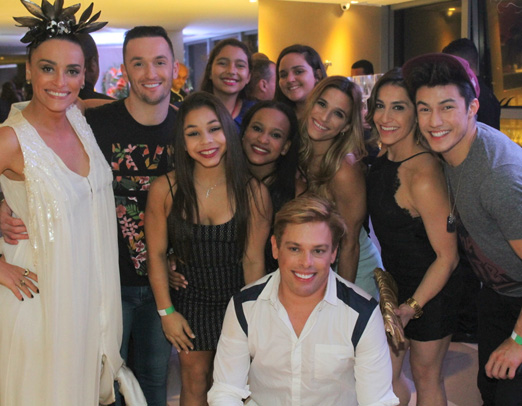 Suzana, Bruno, ginastas e amigas