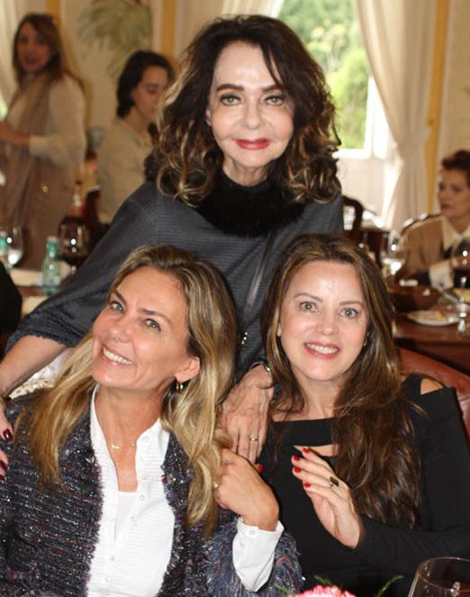 Vera Loyola com Márcia Veríssimo e Shirlei Maia